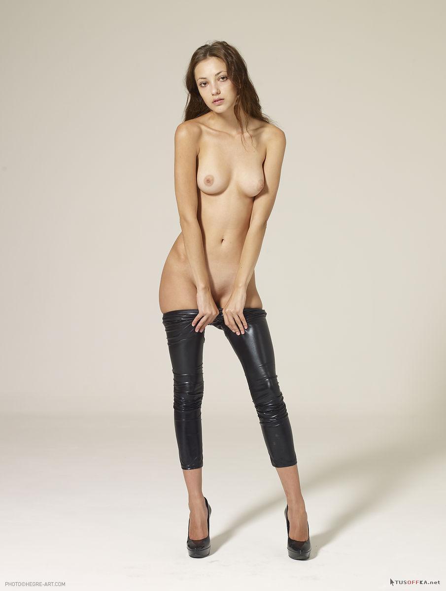 Русское порно девушка в кожаных штанах смотреть бесплатно 24 фотография